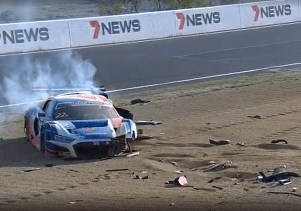 wrecked-audir8-racecar
